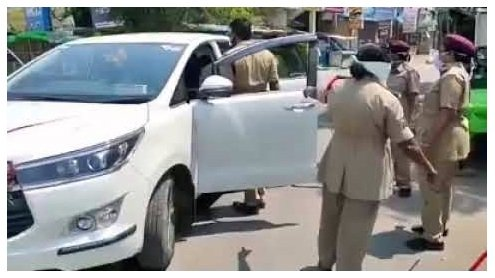Cops Thrash Occupants of a Brand New Toyota Innova Crysta For Lockdown Violation