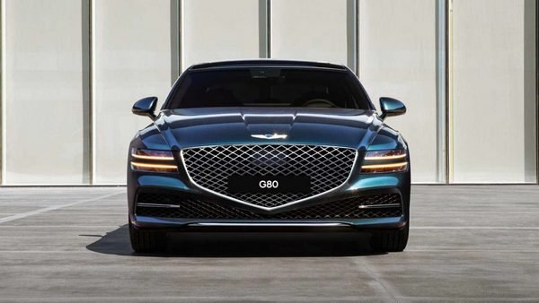 Front-end look of the Genesis G80