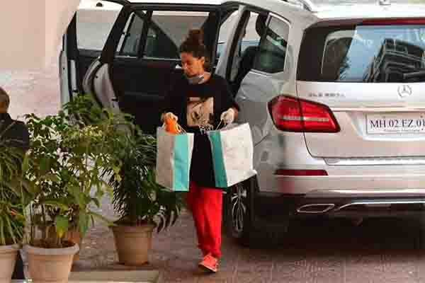 Farhan Akhtar Drives His Mercedes GLS to Grocery Store Amidst Lockdown