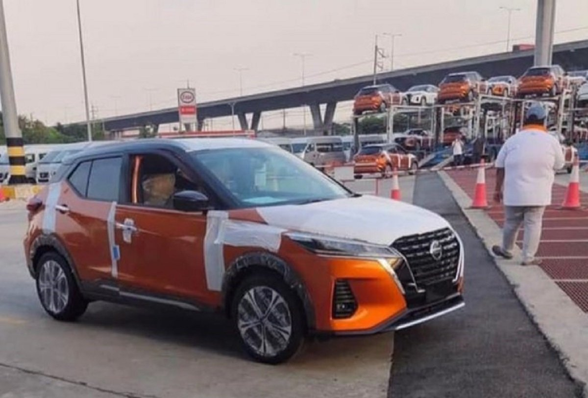 Nissan Kicks Facelift Spied Without Camouflage