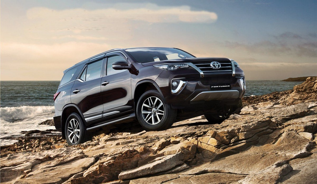 toyota fortuner front vieww