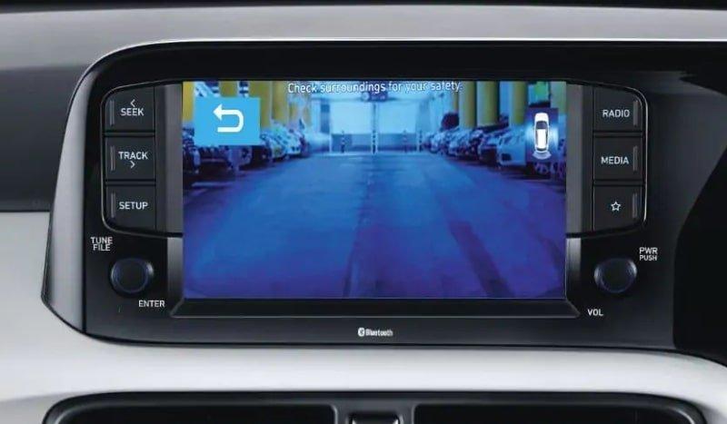 Hyundai Grand i10 Nios review infotainment