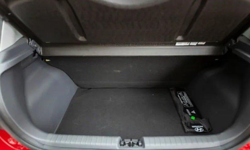 Hyundai Grand i10 Nios review boot trunk