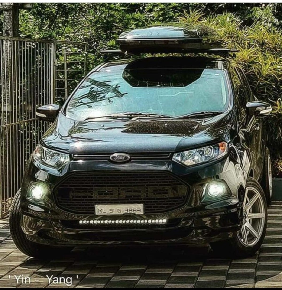 Black Panther – Lowered Ford Ecosport With Underbelly Headers and Exhaust