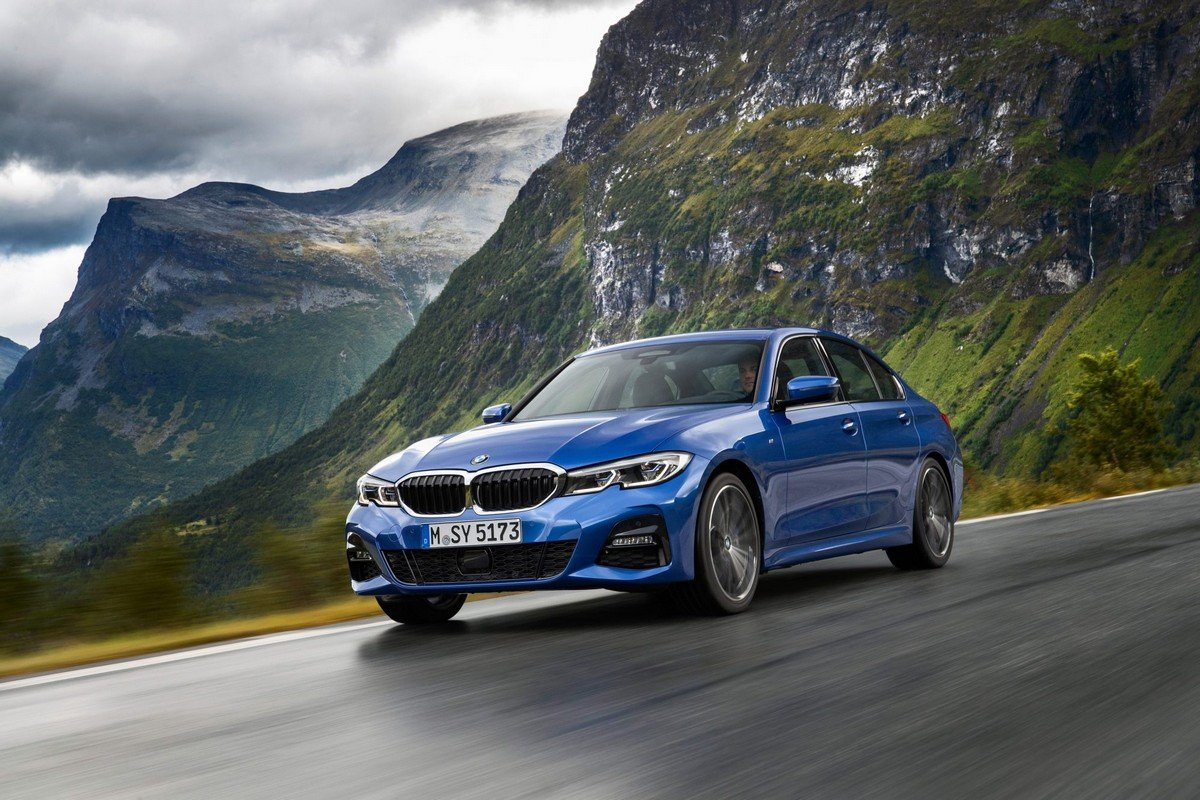 /2019 bmw 3-series front and side profile