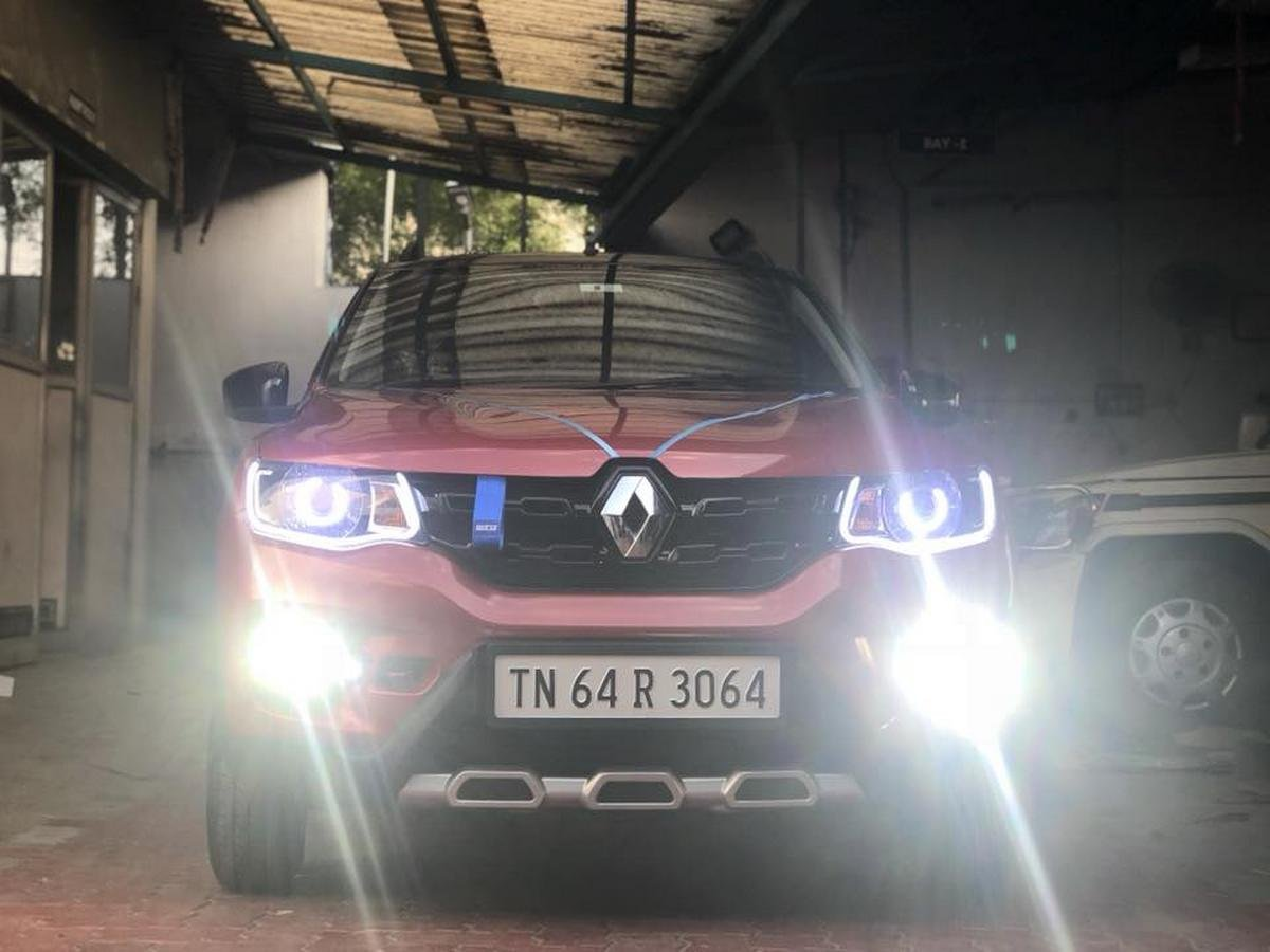modified renault kwid red devil front angle