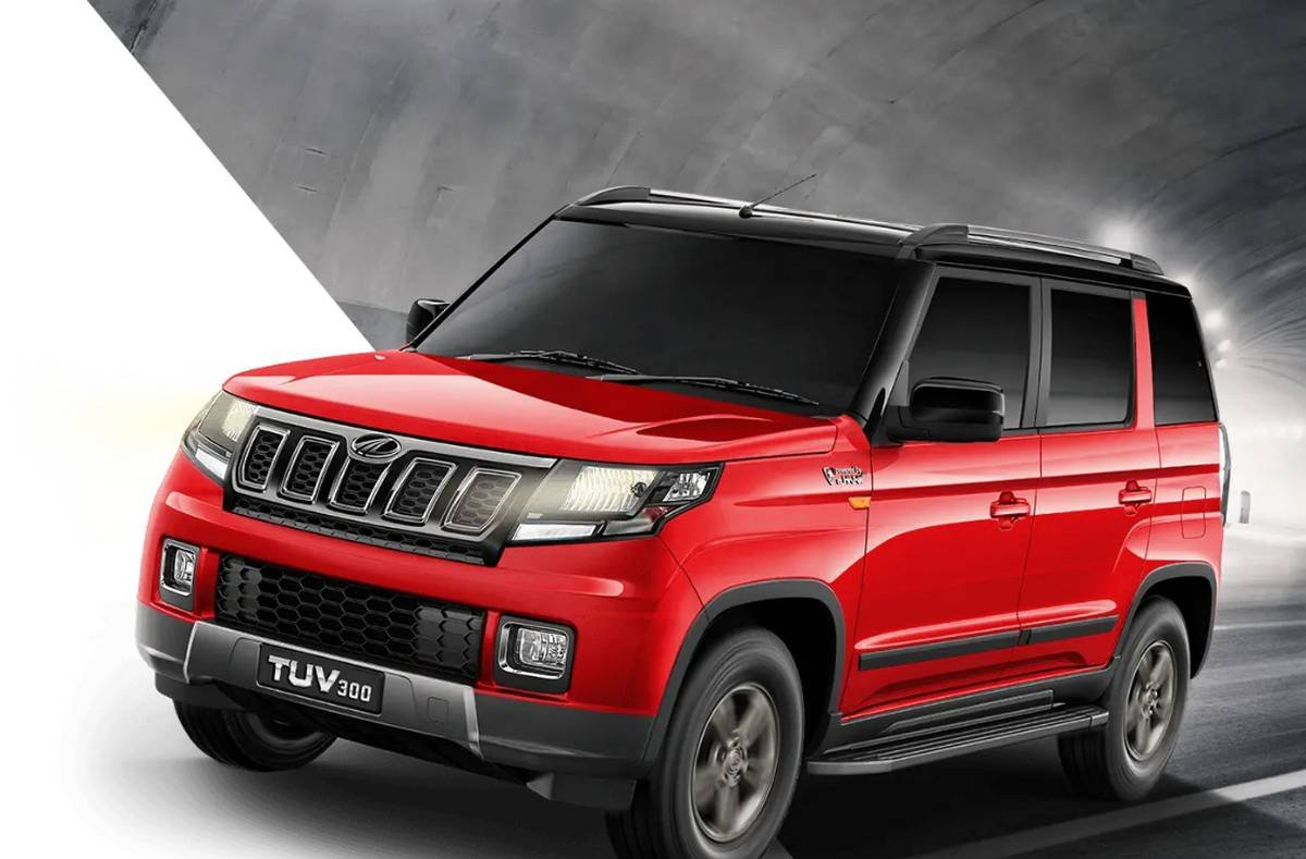 mahindra tuv300 front three quarters