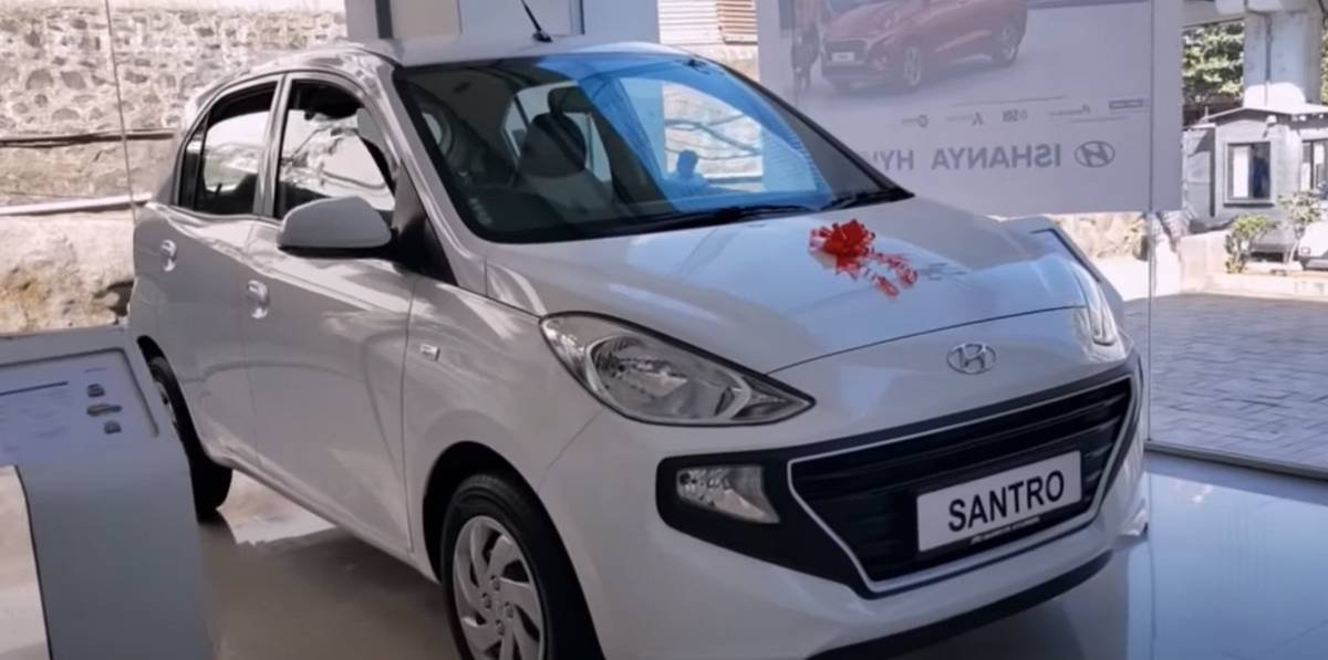 2020 hyundai santro front three quarters