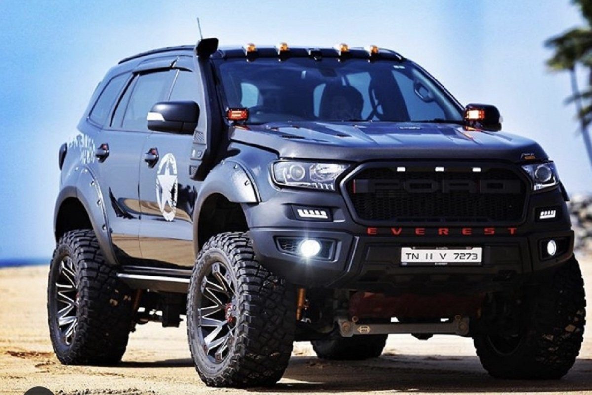 modified Ford Endeavour front three quarter