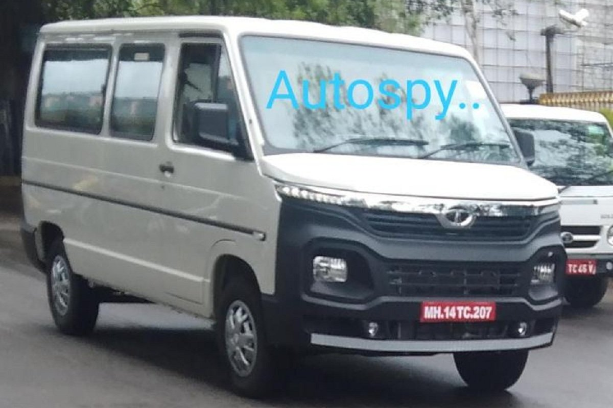 2020 Tata Winger BS6 front angle