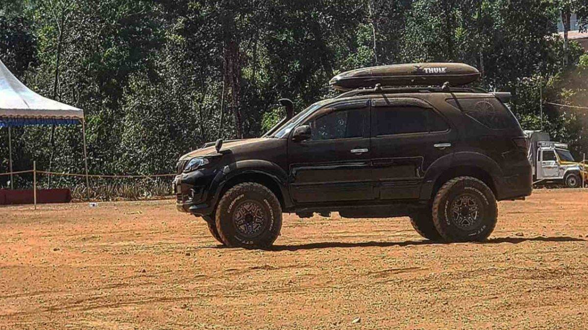 modified toyota fortuner side profile