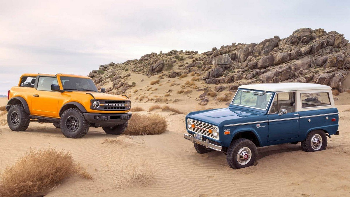 new 2021 ford bronco and old ford bronco