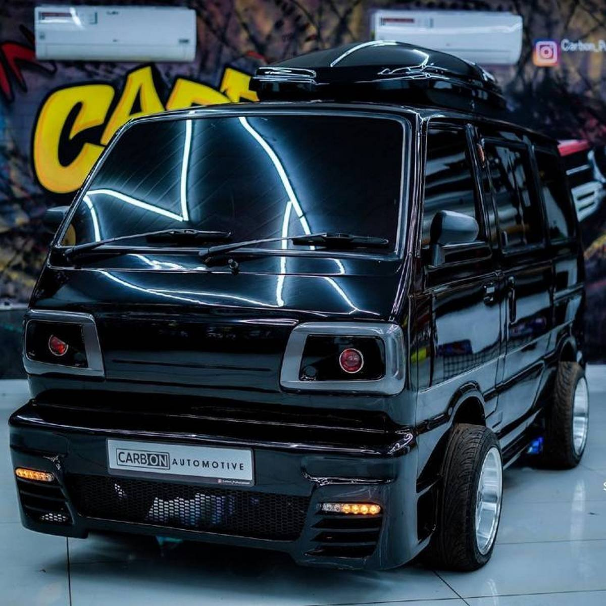 Front-side-look-of-Maruti-Omni