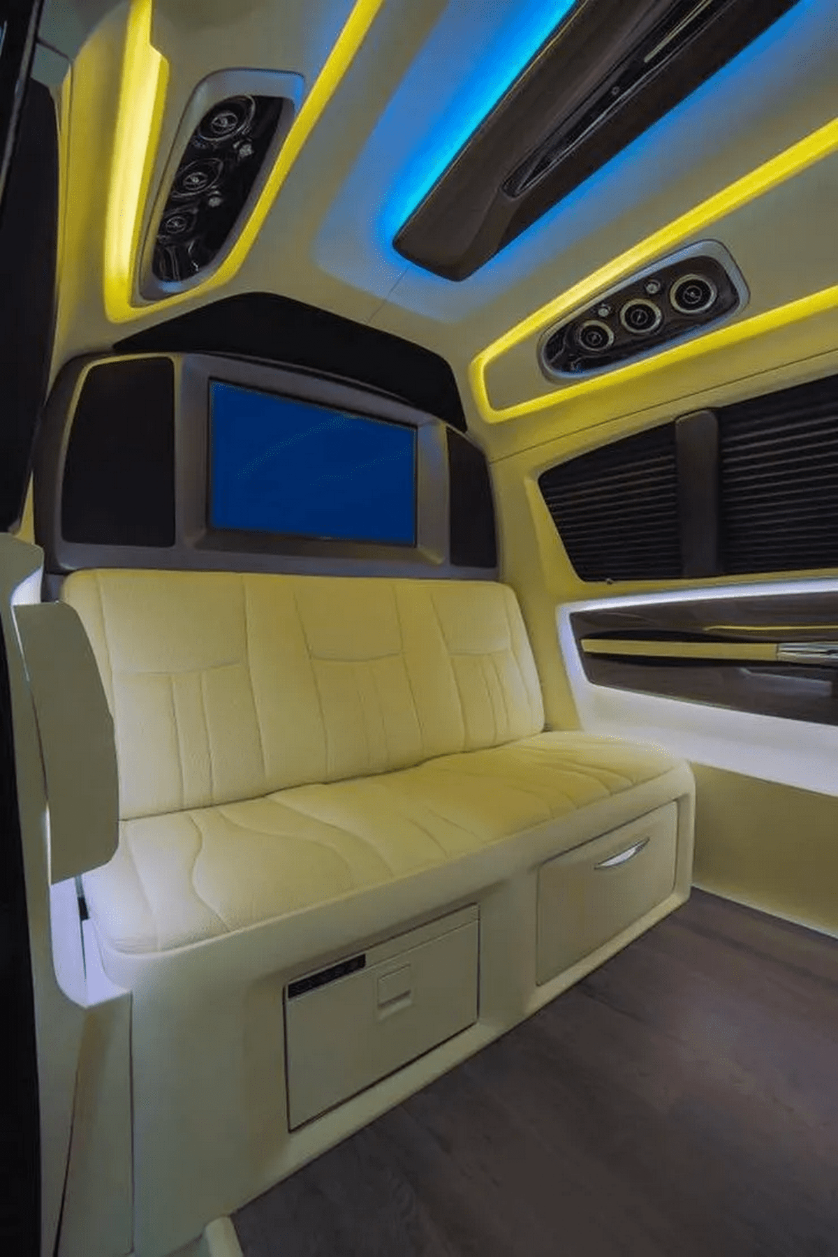 Inside-view-of-the-MPV