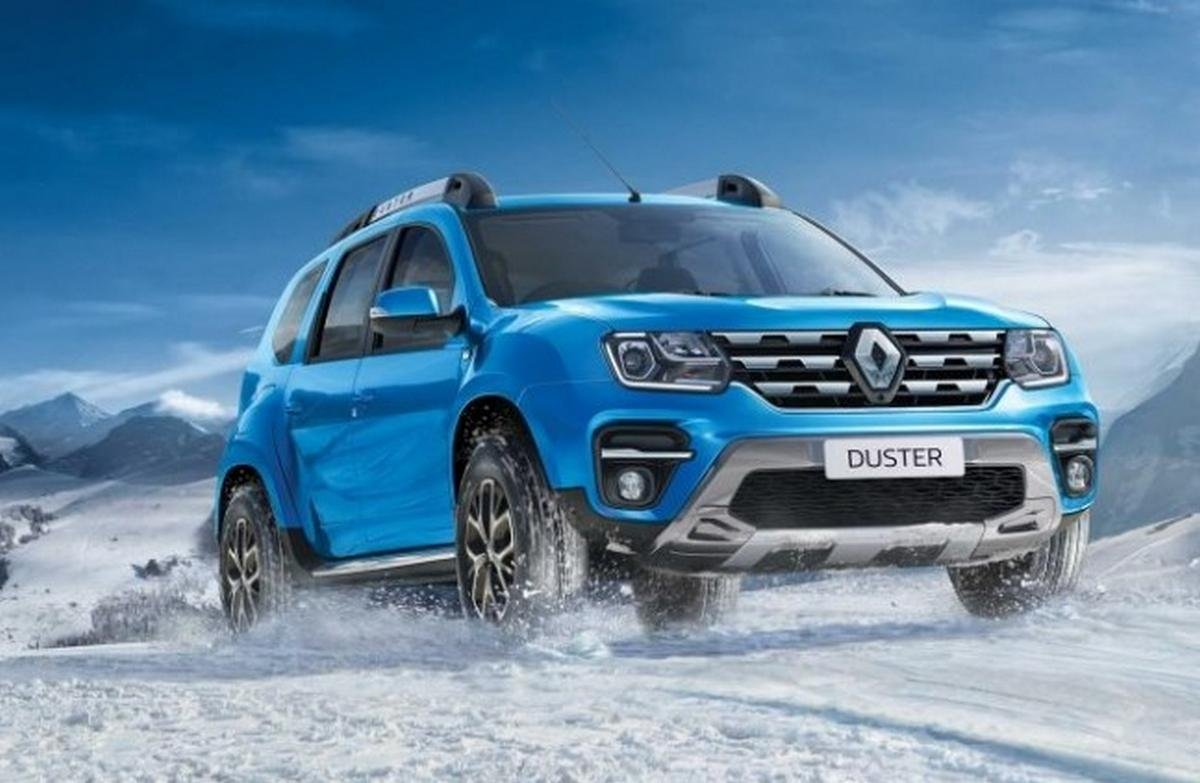 2020 renault duster front three quarters