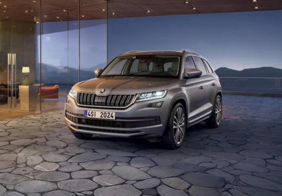 upcoming cars in india under 50 lakhs - skoda kodiaq 2020 front angle