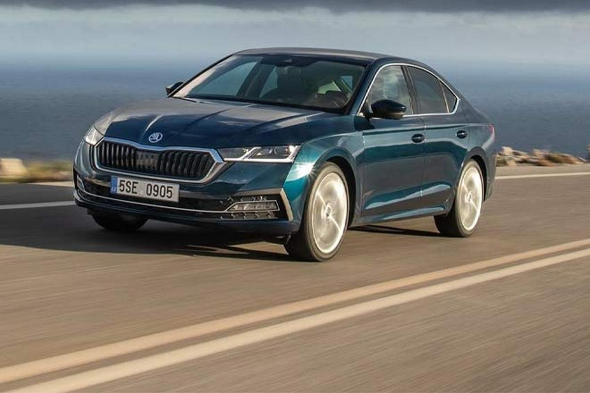 upcoming cars- 2020 skoda octavia front three quarters