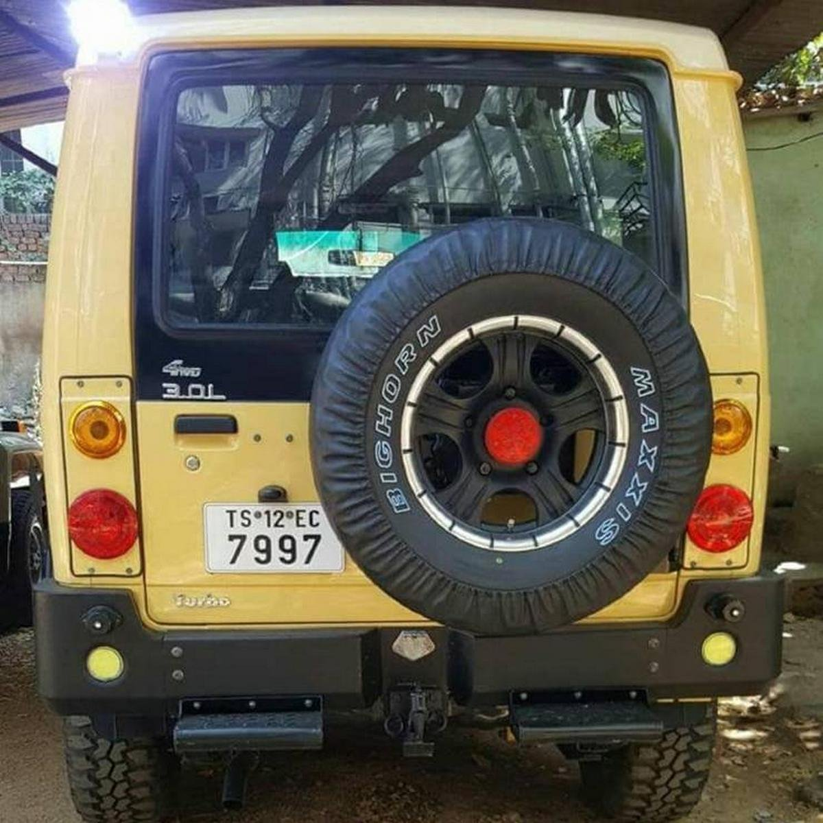 modified tata sumo rear angle