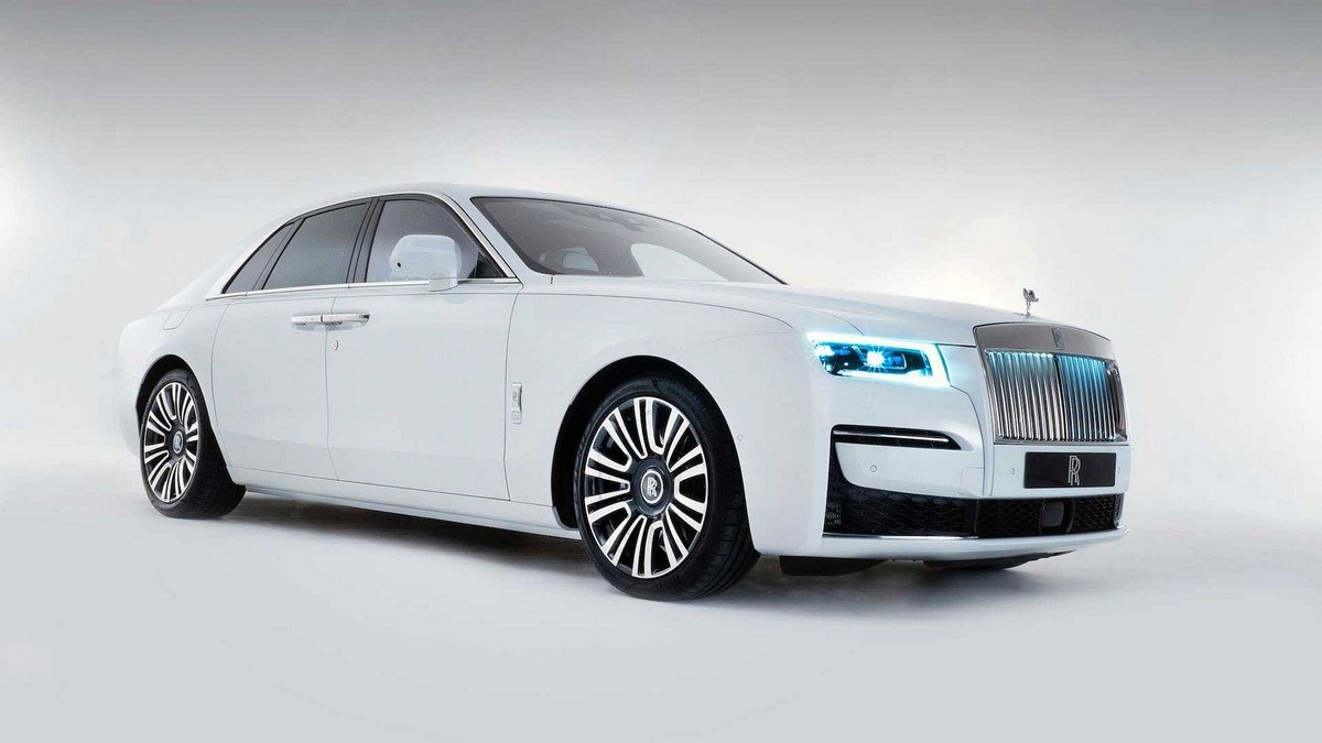 2021 rolls royce ghost front white
