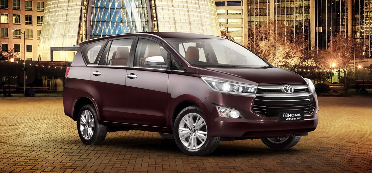 toyota innova crysta front three quaters