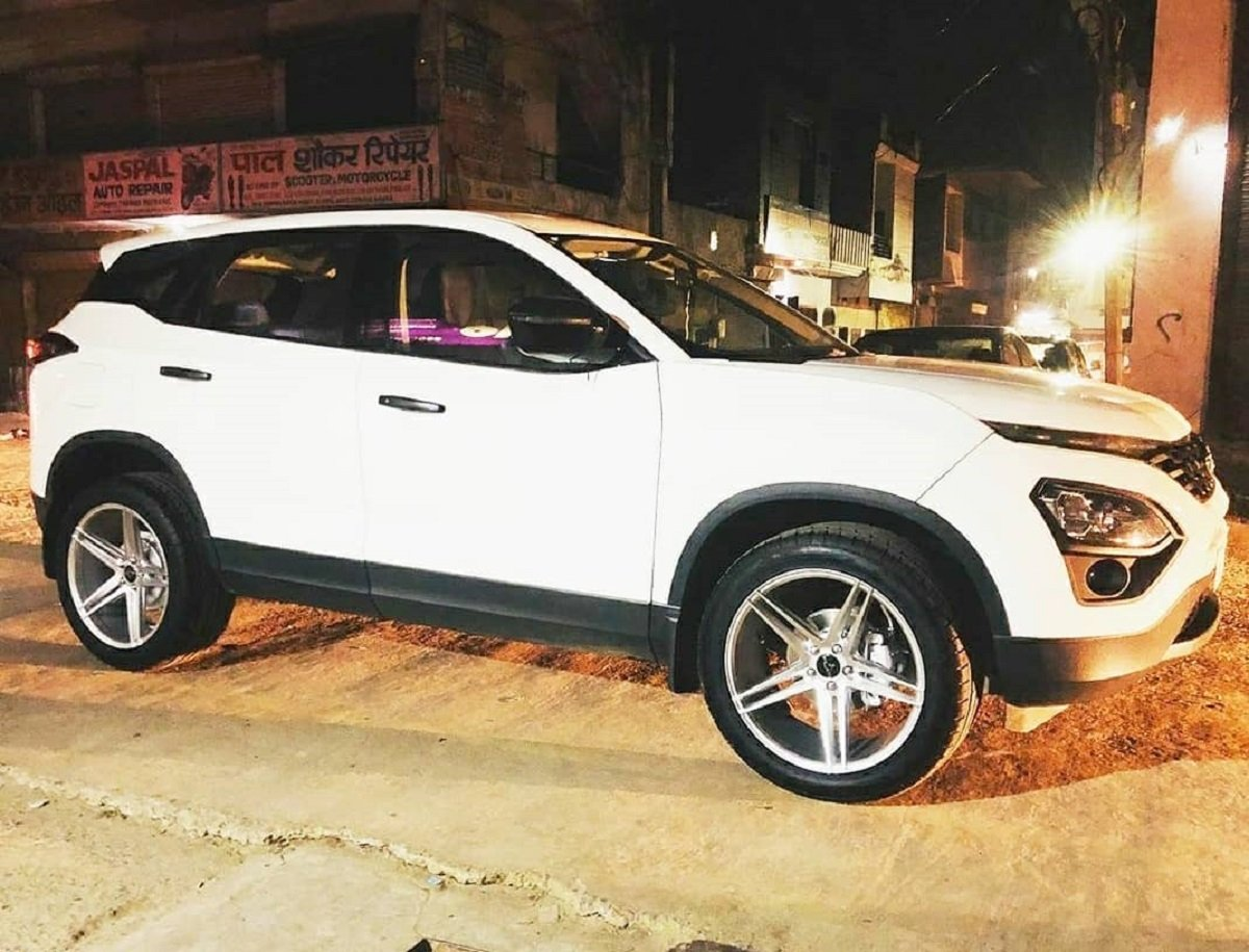 Tata Harrier Looks Stylish With 20-inch Alloys Wheels