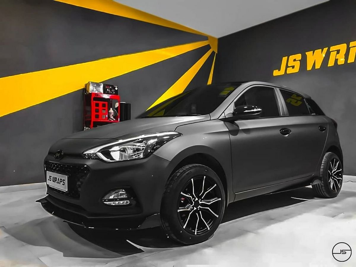 Dark Themed Hyundai Elite I20 Features Greyscale Filter In Real Life