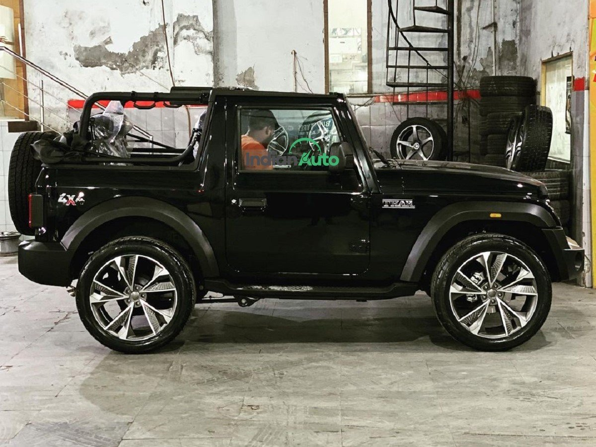 First-ever Mahindra Thar Convertible with Fancy 22-inch Rims & Low-profile Tyres