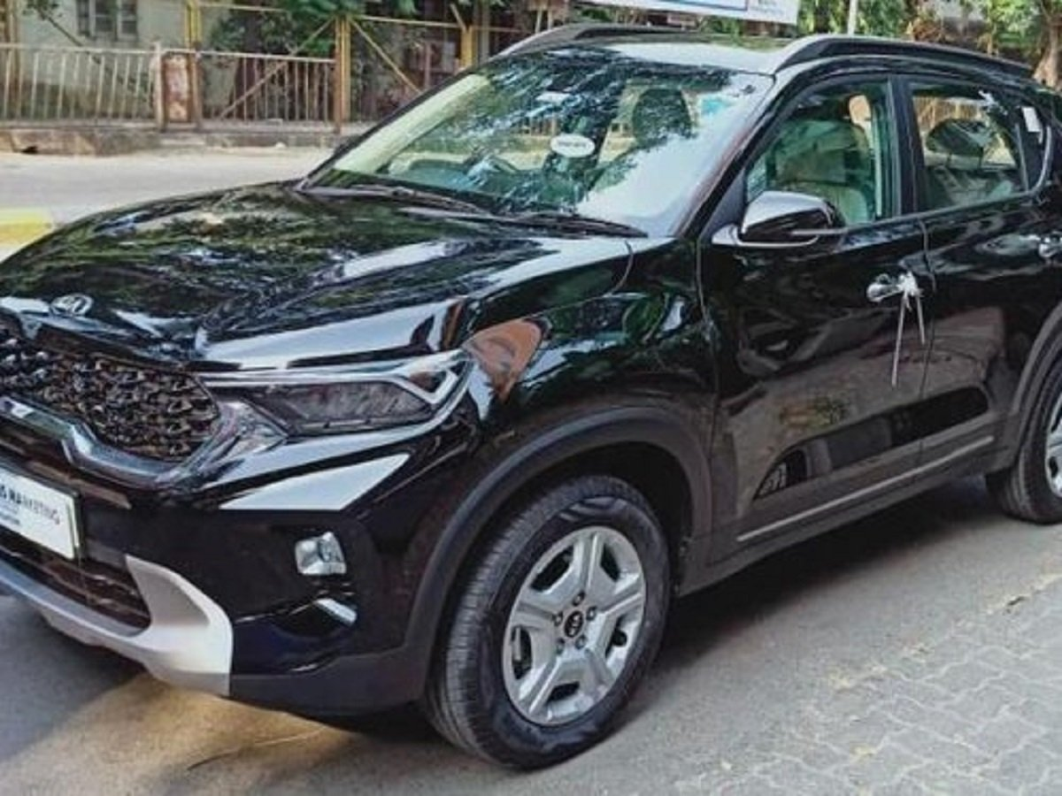 Buying USED Kia Sonet Costlier Than Purchasing Brand New One!