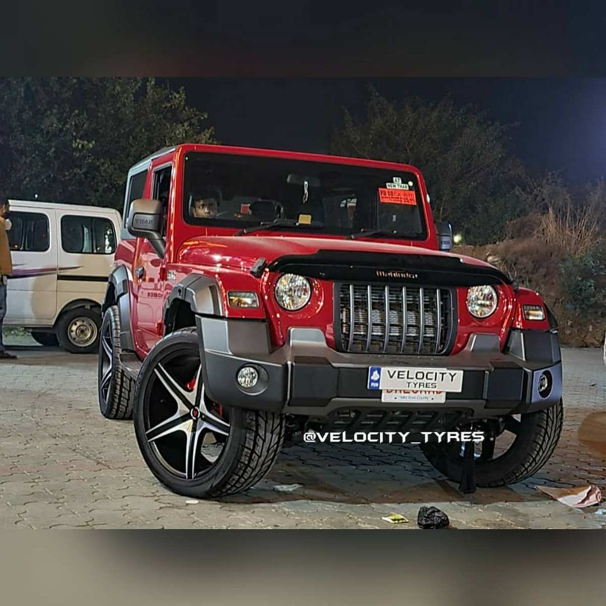 Front-side-look-of-2020-Mahindra-Thar
