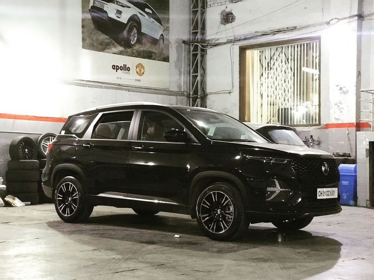 All-Black MG Hector Plus With Aftermarket 18-inch Rims Looks SWAT Ready