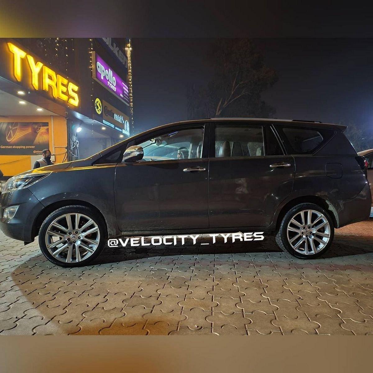 side-look-of-Toyota-Innova-Crysta