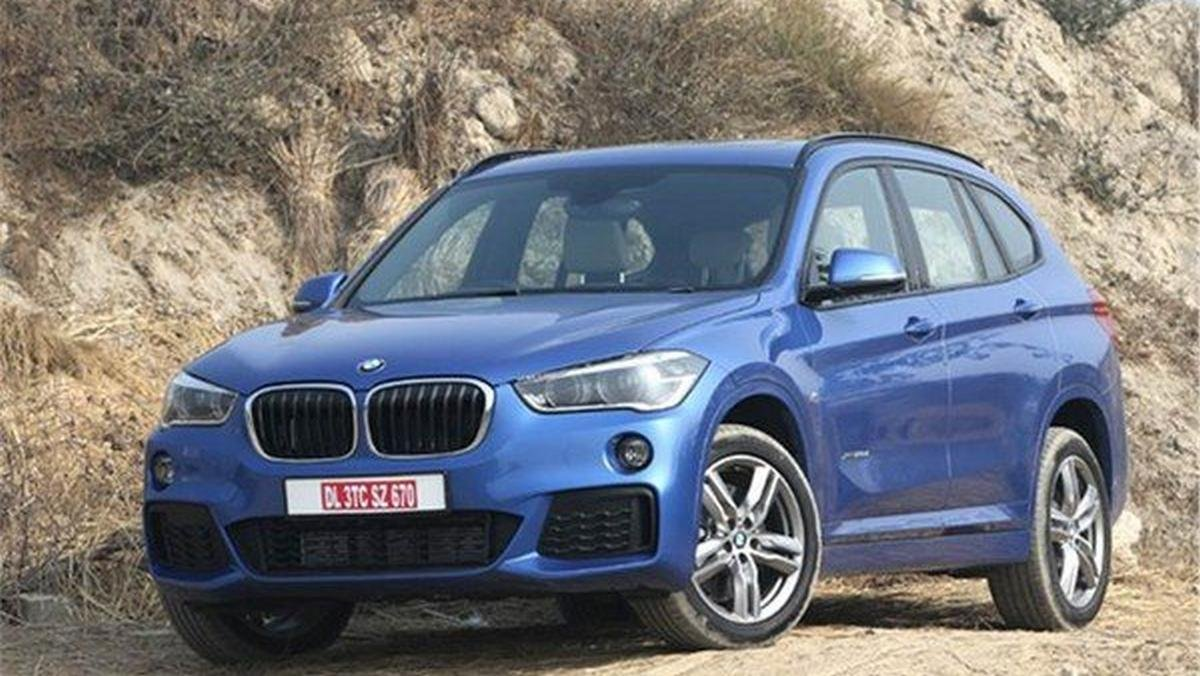 2016 bmw x1 blue front angle