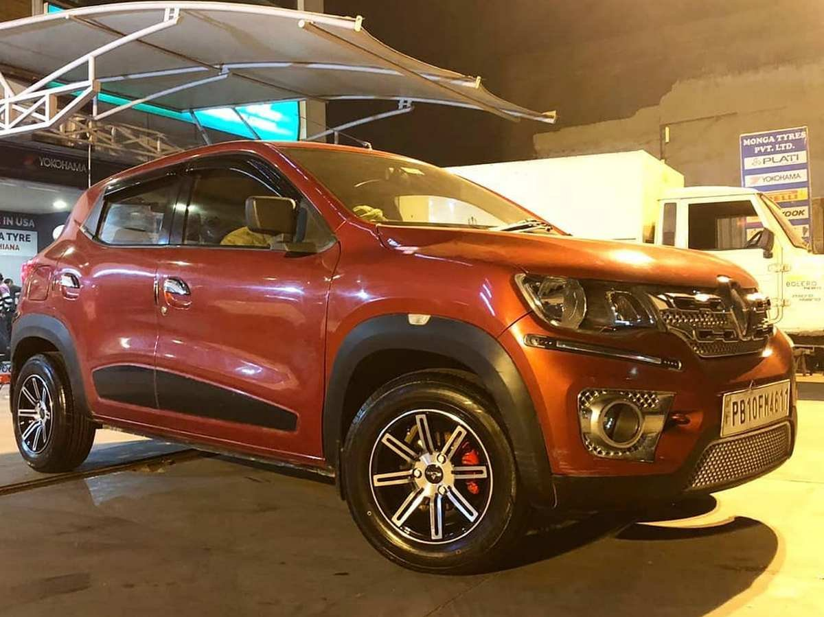 Front-right-side-look-of-Renault-Kwid