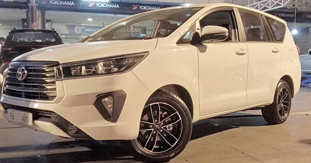 Front-side-look-of-Toyota-Innova-Crysta