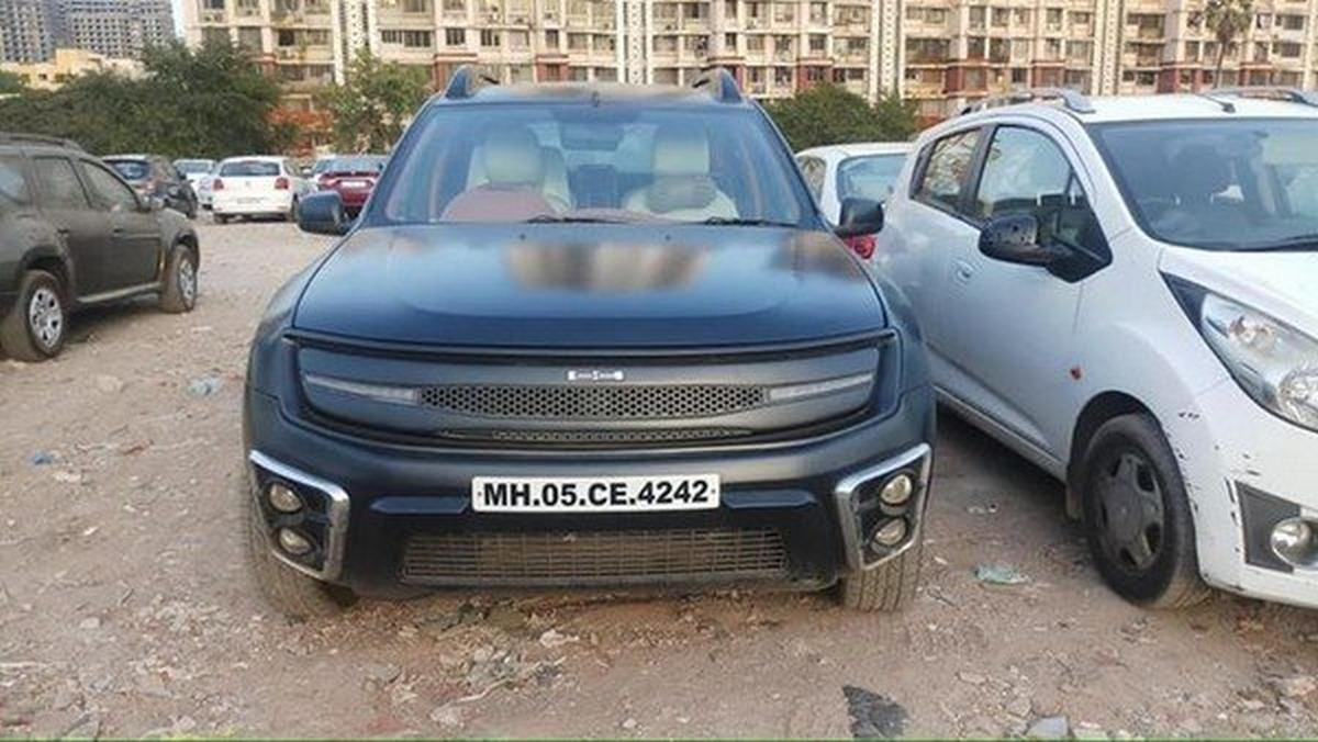 renault duster modified black front