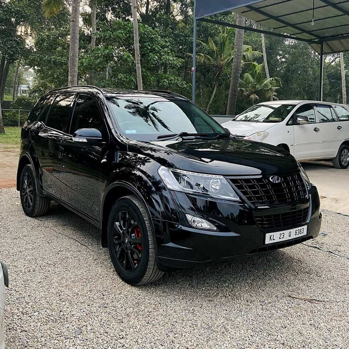 Front-side-look-of-Mahindra-XUV500