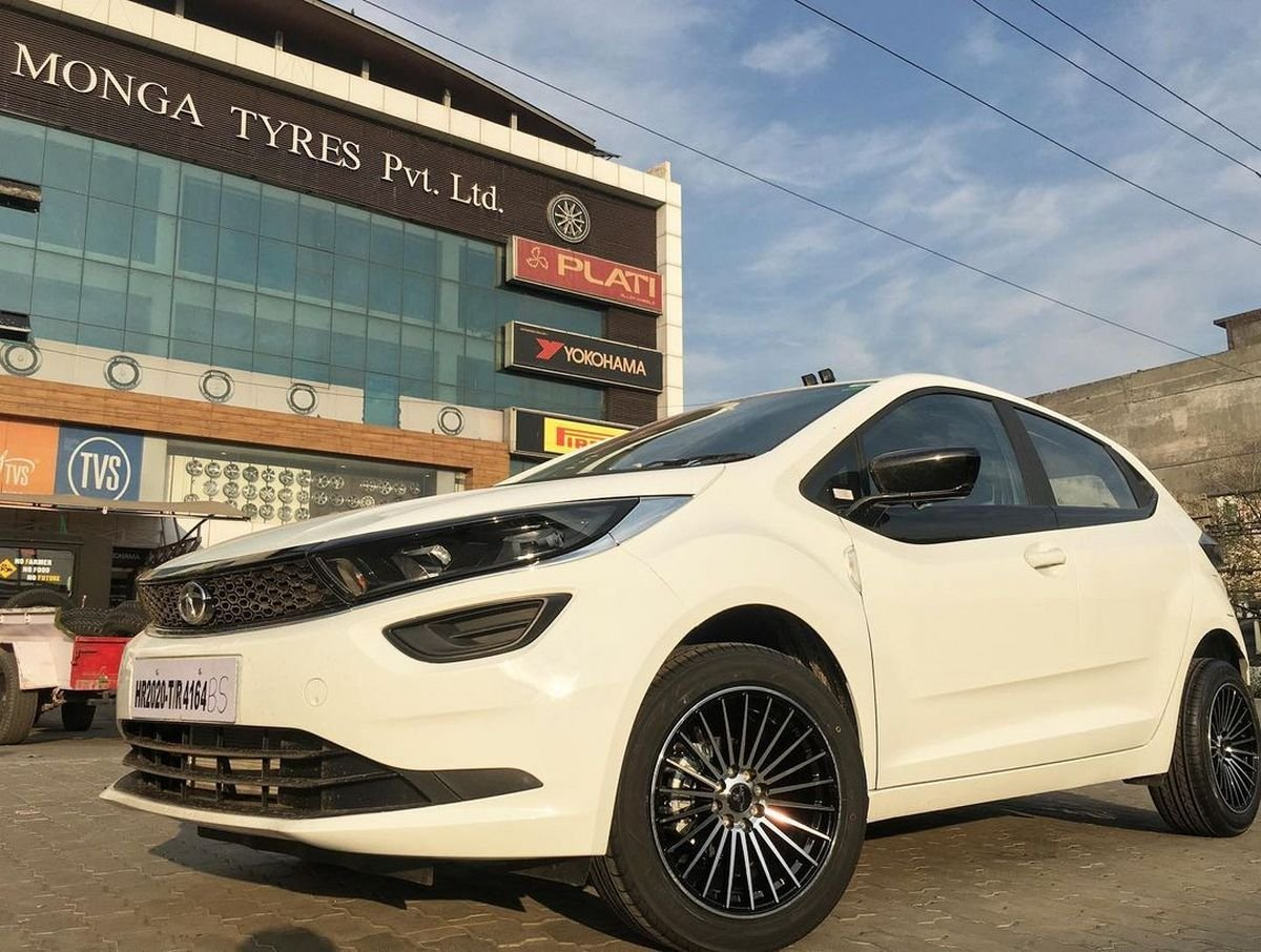 Front-side-look-of-Tata-Altroz