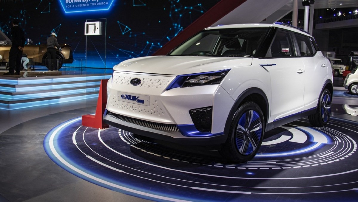 upcoming electric cars in India Mahindra-EXUV300-front-side-look