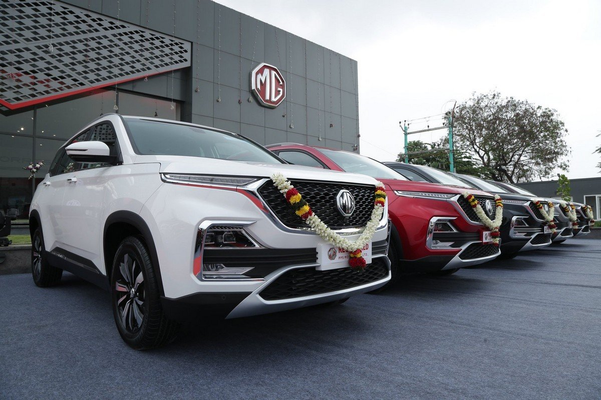 mg-hector-in-line