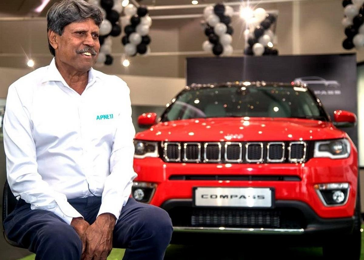 kapil dev jeep compass red front angle