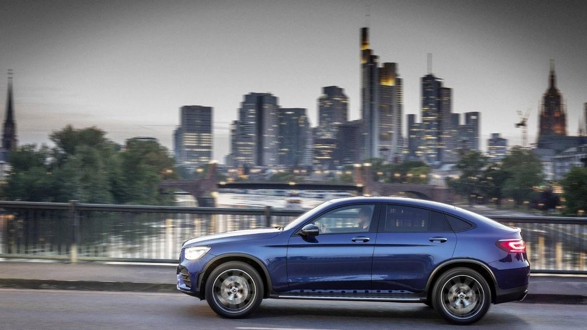 mercedes-benz-glc-coupe-side-profile