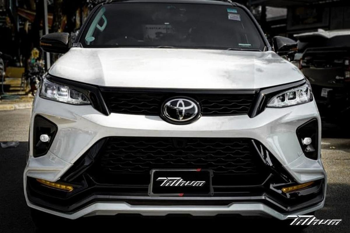 toyota fortuner legender modified front angle