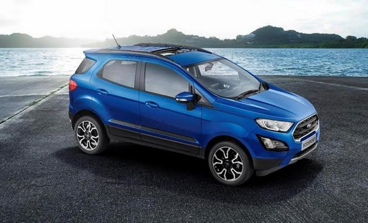 blue-ford-ecosport-with-sunroof