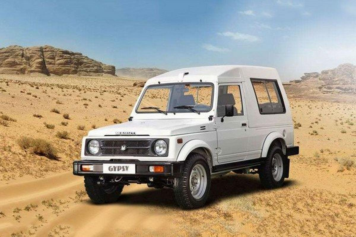 Maruti Gypsy 2018 white color front look on desert