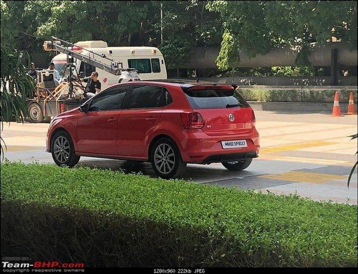 2019 vw polo red rear angle