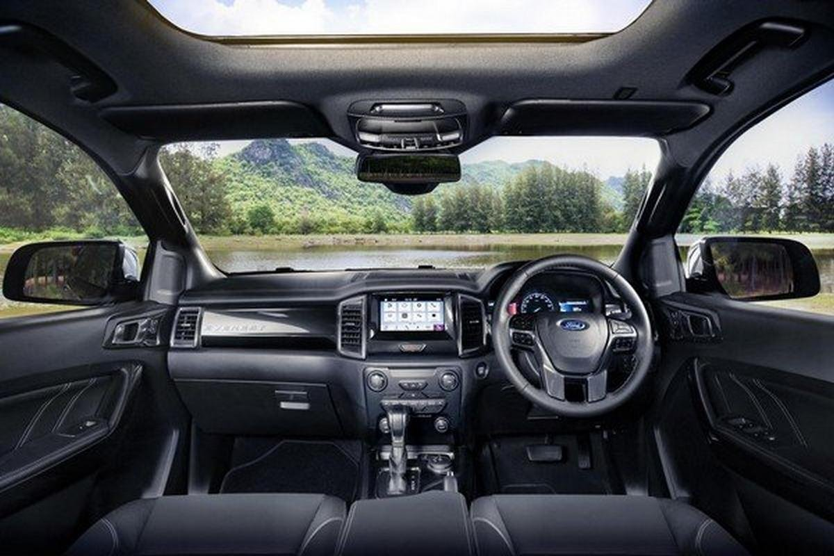 2019 Ford Endeavour cabin