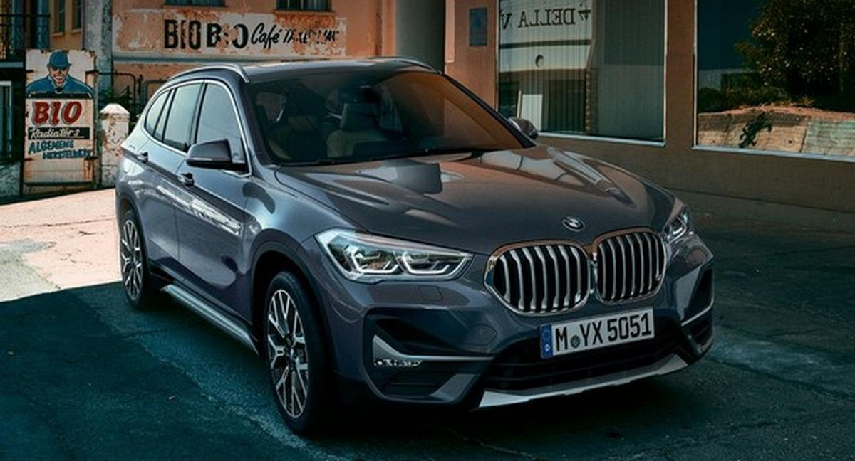 2020 bmw x1 front angle