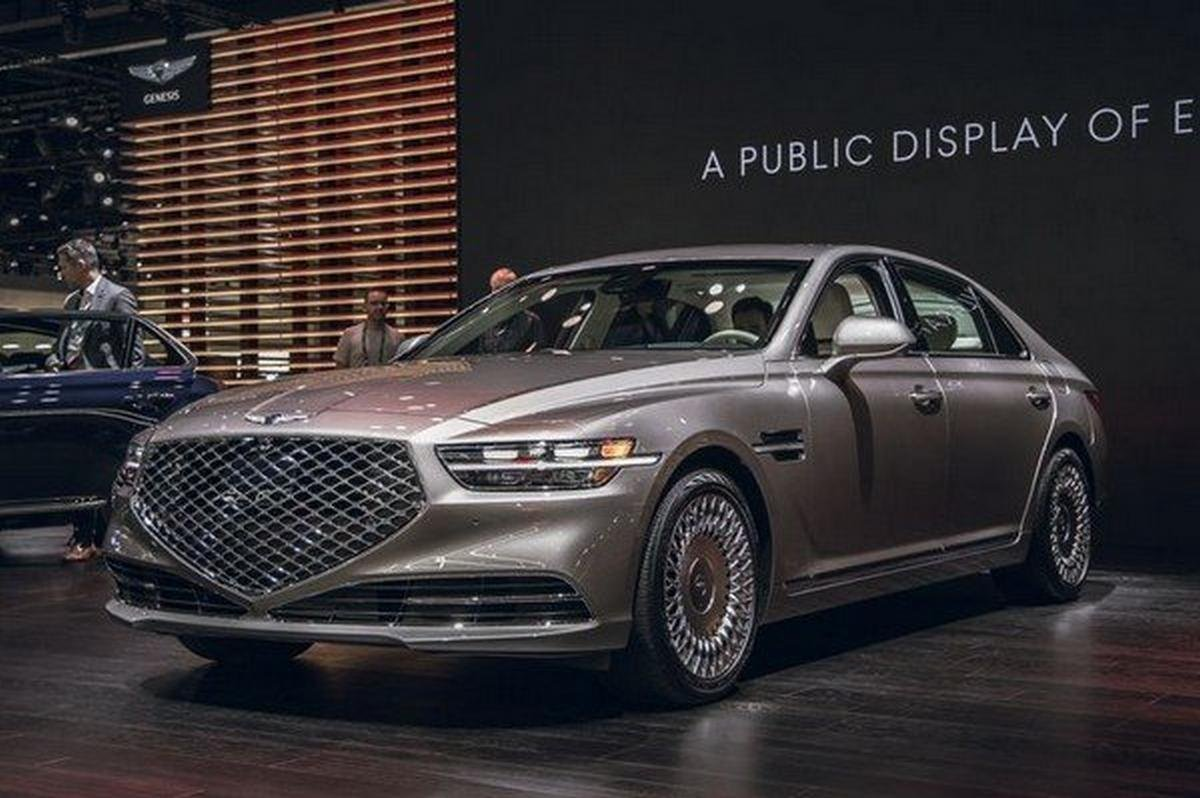 genesis g90 facelift grey front angle