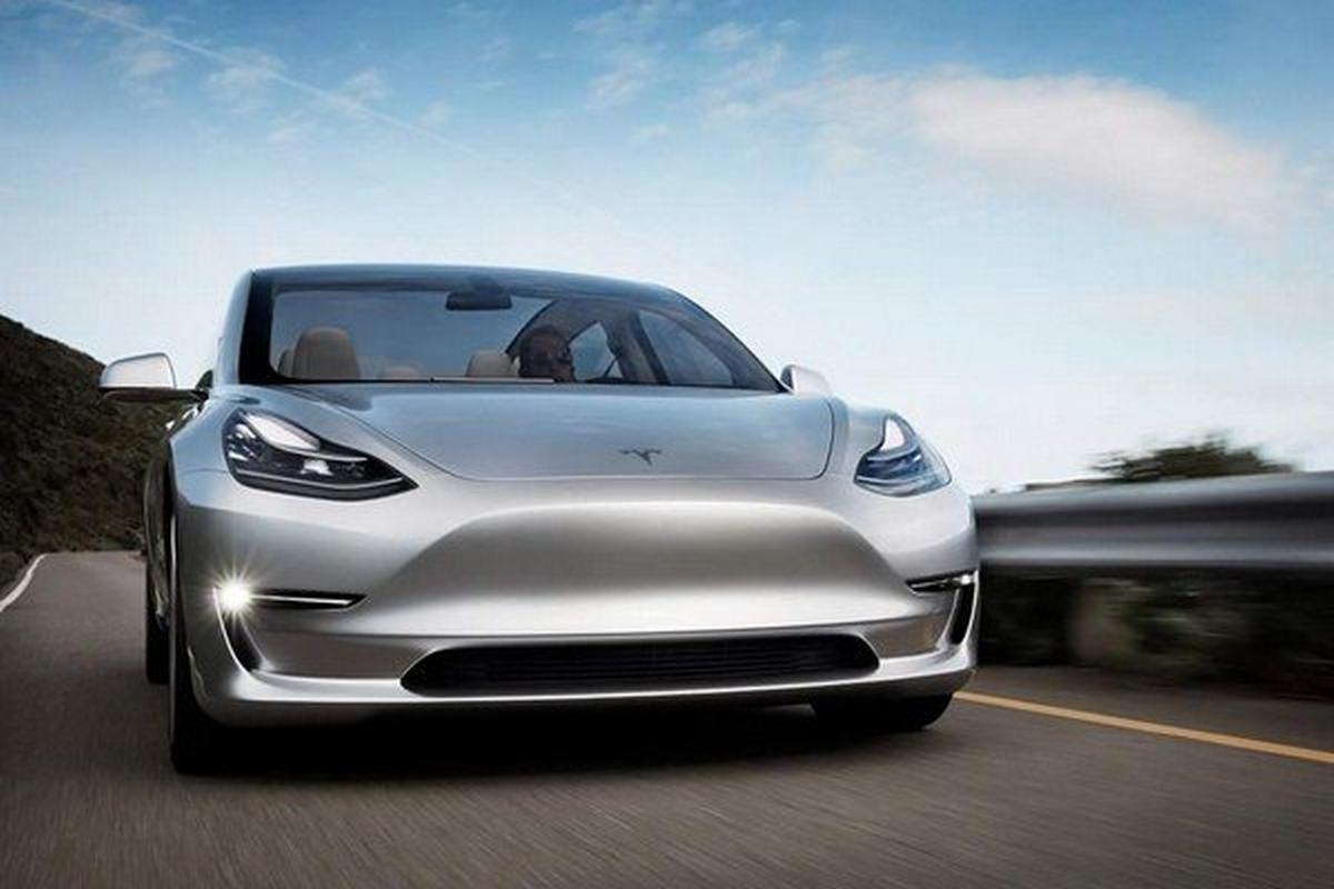 Tesla Model 3, Silver