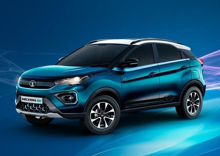 2021 Tata Nexon EV front three quarters